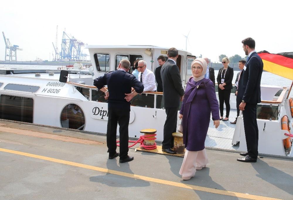 Emine Erdoğan First Ladylerle Tekne Turuna Katıldı