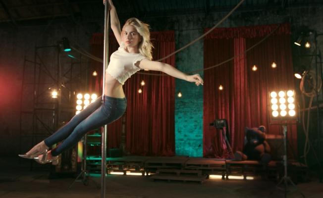 Aleyna Tilki Loft Reklam Filminde Sınırları Zorladı!