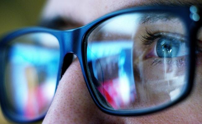 Dünyagöz: Dijital Ekranlarda Sinsi Tehlike: Mavi Işık