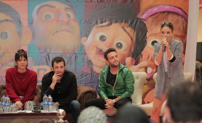 İstanbul Muhafızları filmi oyuncuları sinemaseverlerle söyleşide buluştu