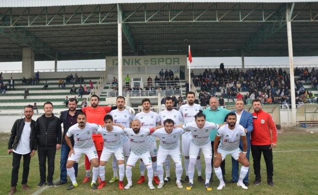 İznikspor Evinde İlk Maçına Çıktı.
