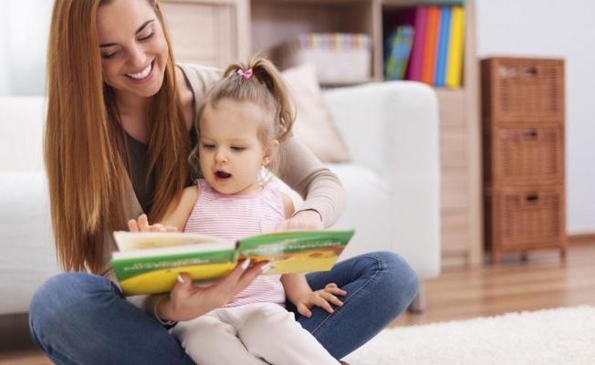 Kitap Okumayı Çocuklar İçin Vazgeçilmez Bir Zevke Dönüştürmenin 7 Yolu