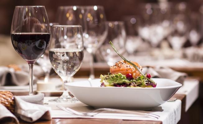 USLA, Yiyecek İçecek İşletmeciliği Sertifika Programları ile geleceğinizi garanti altına alın