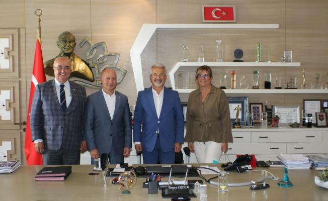 KIZILAY BURSA ŞUBESİ'NDEN NİLÜFER BELEDİYE BAŞKANI TURGAY ERDEM'E ZİYARET