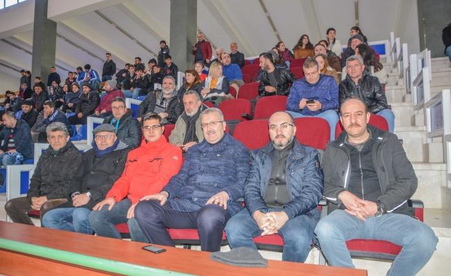 Karacabey Belediyespor voleybol takımı play off aşkına