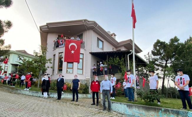 TÜRK KIZILAY BURSA ŞUBESİ ÖZEL GENÇLERİN BAYRAM COŞKUSUNA ORTAK OLDU