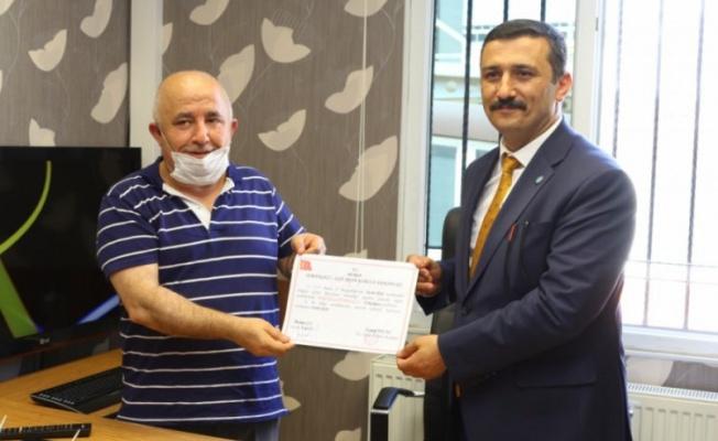 İyi Parti Bursa İl Başkanı Türkoğlu mazbatasını aldı