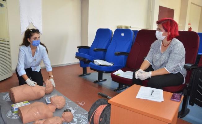 Bursa'da ilk yardım eğitmenlerine özel eğitim verildi