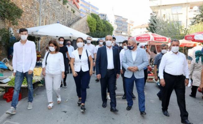 Bursa Mudanya Belediye Başkanı Türkyılmaz'dan cuma pazarına ziyaret