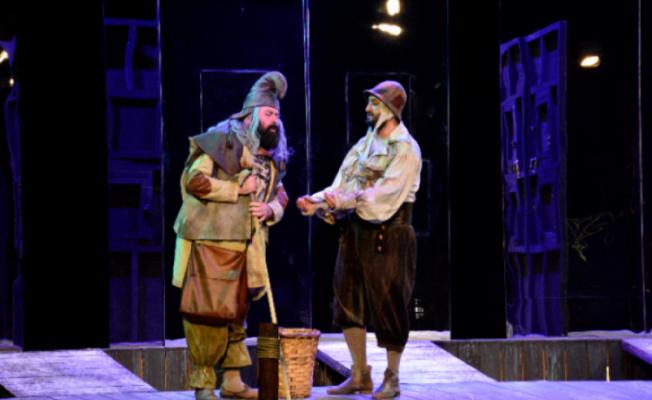 Bursa Şehir Tiyatrosu yeni sezonu açtı