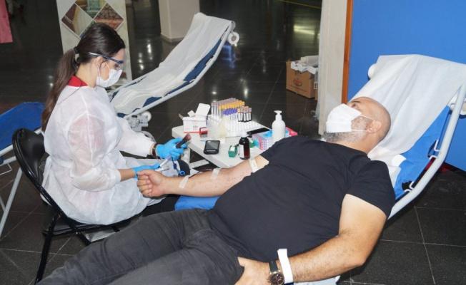 BUTTİM sakinlerinden Türk Kızılay'a kan bağışı desteği
