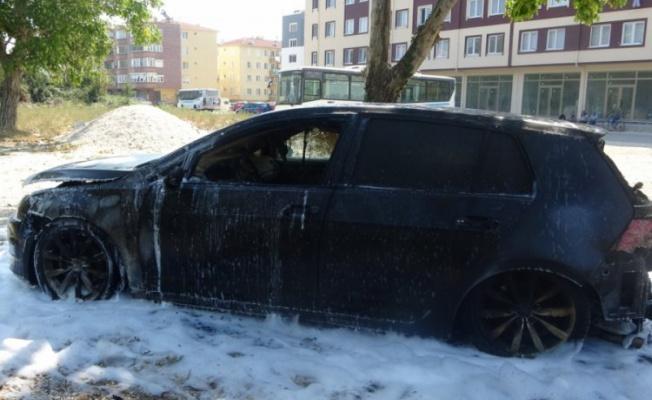 Gemlik'te yanan araç korkuttu