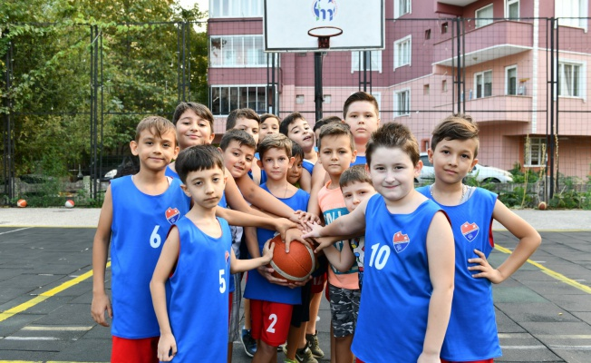 Minik basketbolcuların sertifika heyecanı