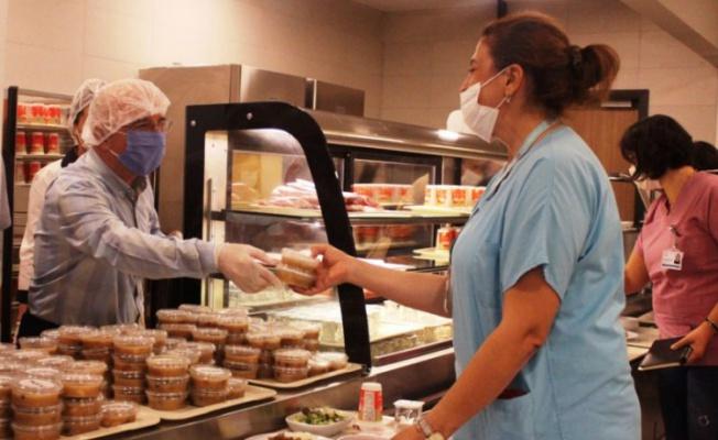 MÜSİAD'tan Bursa'da sağlık çalışanlarına aşure