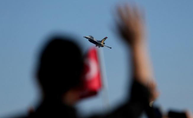 Bursa'da SOLOTÜRK'ten nefes kesen gösteri