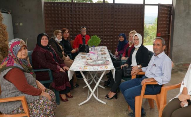 Bursa'da Vali eşinden şehit ailelerine ziyaret
