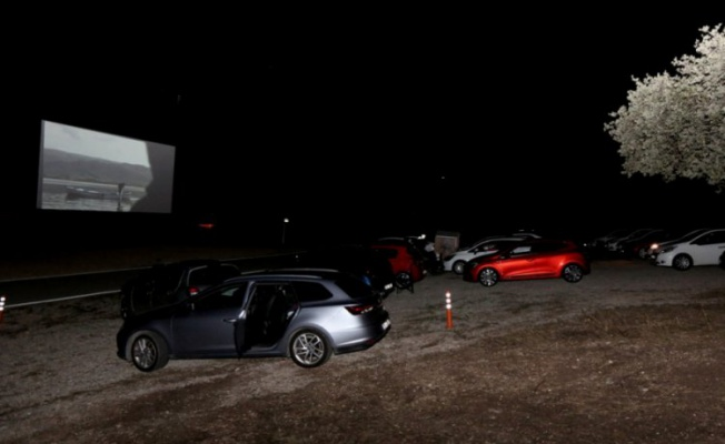 Bursalılar arabalı sinemayı çok sevdi