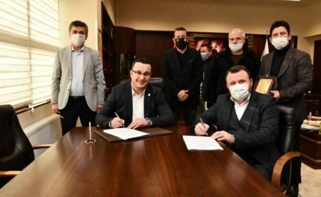 Mustafakemalpaşa Belediyesi toplu iş sözleşmesinde imzalar atıldı