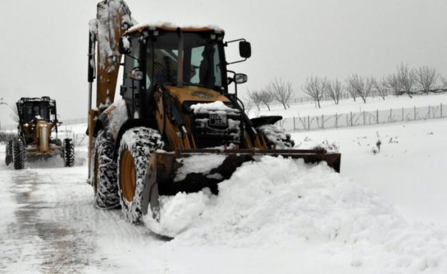 Osmangazi'de kar temizleme çalışmaları sürüyor