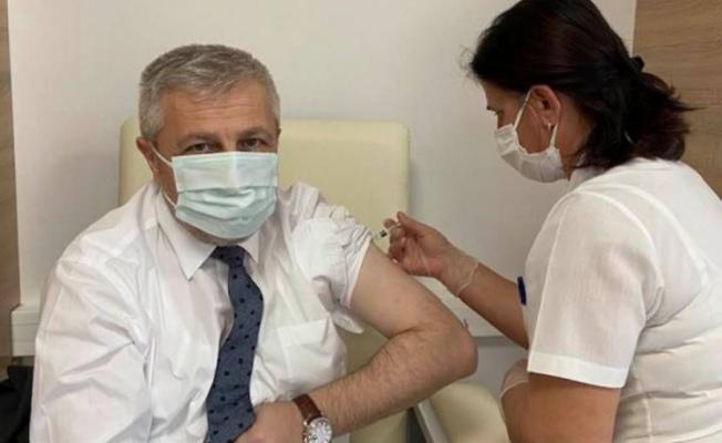 Yavuzyılmaz aşının ikinci dozunu da yaptırdı