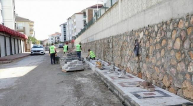 Bursa'da 75 sokakta kaldırım çalışması sürüyor
