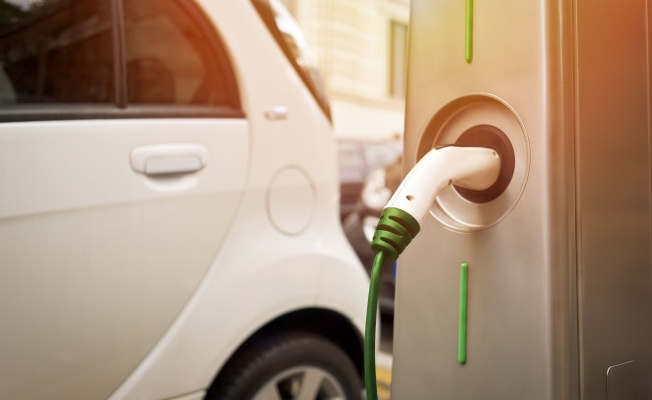 Elektrikli Araç Almayı Düşünen Tüketici Şarj Üniteleri Bulamamaktan Endişeli