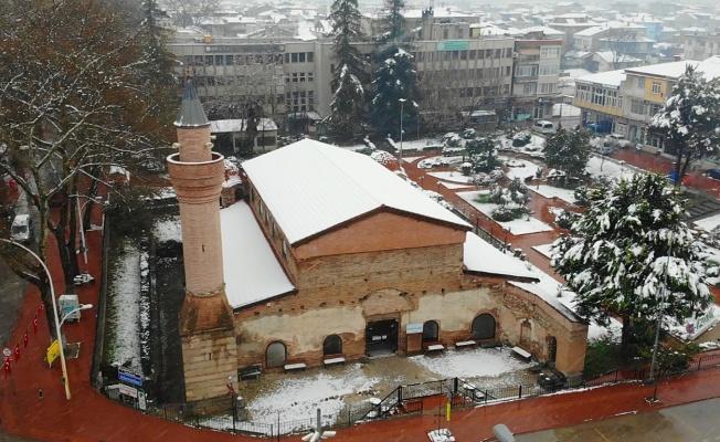 Kar yağışı sonrası İznik'te Kartpostallık görüntüler oluştu