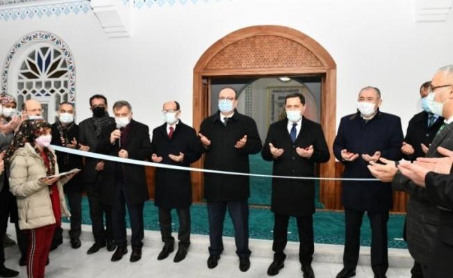 Mustafakemalpaşa'da külliye ibadete açıldı