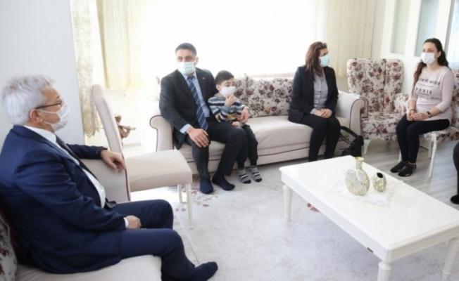 Nilüfer Belediye Başkanı Erdem, havyan dostu Pehlivan'ı unutmadı