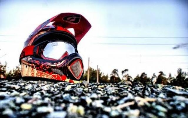 Motosikletle su kanalına yuvarlanan genç hayatını kaybetti
