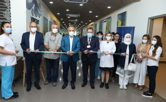 'Pandemide Bursa' sergisi hastaneleri geziyor