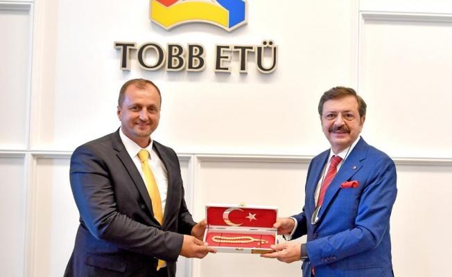 TOBB BAŞKANI'NDAN İZNİK'E OKUL SÖZÜ