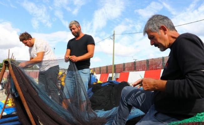 Tekirdağ'da balıkçılar poyraz nedeniyle 2 gündür denize açılamıyor