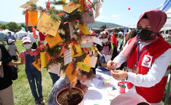TÜRK KIZILAY BURSA ŞUBESİ 3. BÜYÜKŞEHİR ÇOCUK ŞENLİĞİ'NE DAMGA VURGU