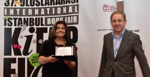 Beykoz Üniversitesi Öğretim Üyesi Prof. Dr. Meral Özbek'e Onur Ödülü
