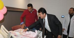 Başkan Dündar'dan Yeni Yılın İlk Bebeğine Altın