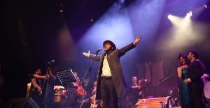 Nilüfer Tiyatro Festivali binlerce kişiye tiyatro keyfi yaşattı