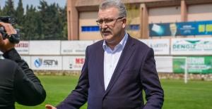 Karacabey Belediyespor şampiyonluk turu atmak için gün sayıyor