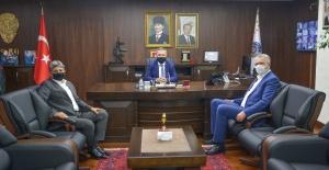 Başkan Özkan, Karacabey'in geleceğini ilgilendiren projelerle ilgili verimli görüşmelere imza attı