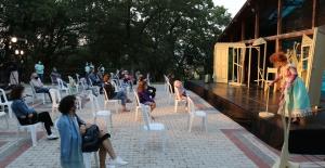 Nilüfer'de açık havada tiyatro şöleni başlıyor