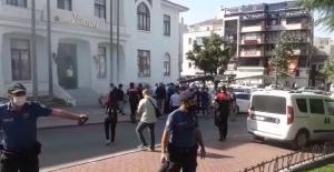 Bakacak çaycısı Fikret Güven Bursa Valiliği önünde kendini yaktı!