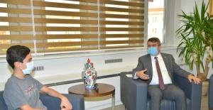 Başkan Yılmaz, LGS Türkiye birincisini ağırladı