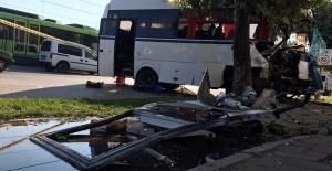bBursa#039;da servis aracı kaza yaptı:.../b