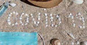 Deniz Ve Havuz Keyfinizde Sosyal Mesafeyi Unutmayın!