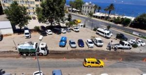 Mudanya'da kayganlaşan yola anında müdahale