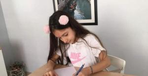 Nilüfer'de uzaktan eğitim veren ilk karikatür atölyesi sergi açtı