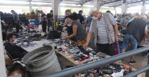 Bursa'da pazar modern, satılanlar hurda