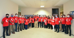 Bursa Büyükşehir Belediyesi ay yıldıza büründü