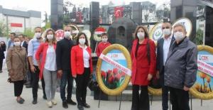 Bursa'da Mimarlar Odası'ndan Cumhuriyet kutlaması