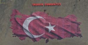 Osmangazi Cumhuriyet sevgisini dev tablo ile sergiledi